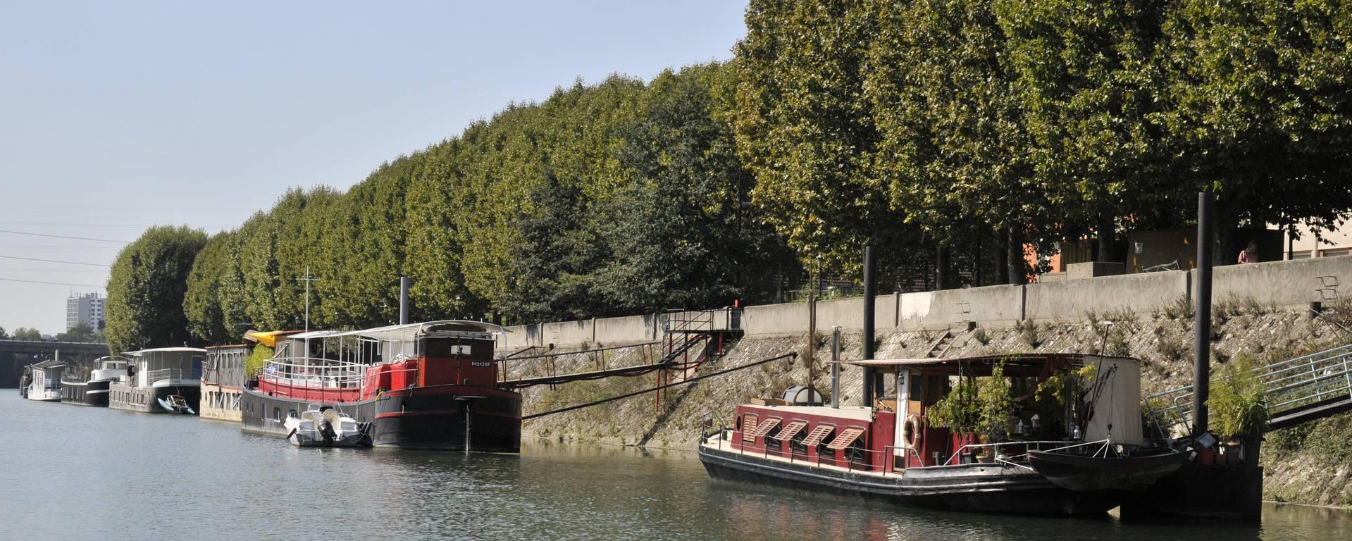 Péniches en bord de Seine - © Valerie Evrard