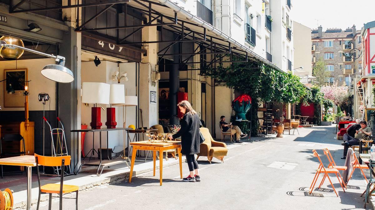 les march s aux puces antiquit brocante vintage office de tourisme de plaine commune. Black Bedroom Furniture Sets. Home Design Ideas