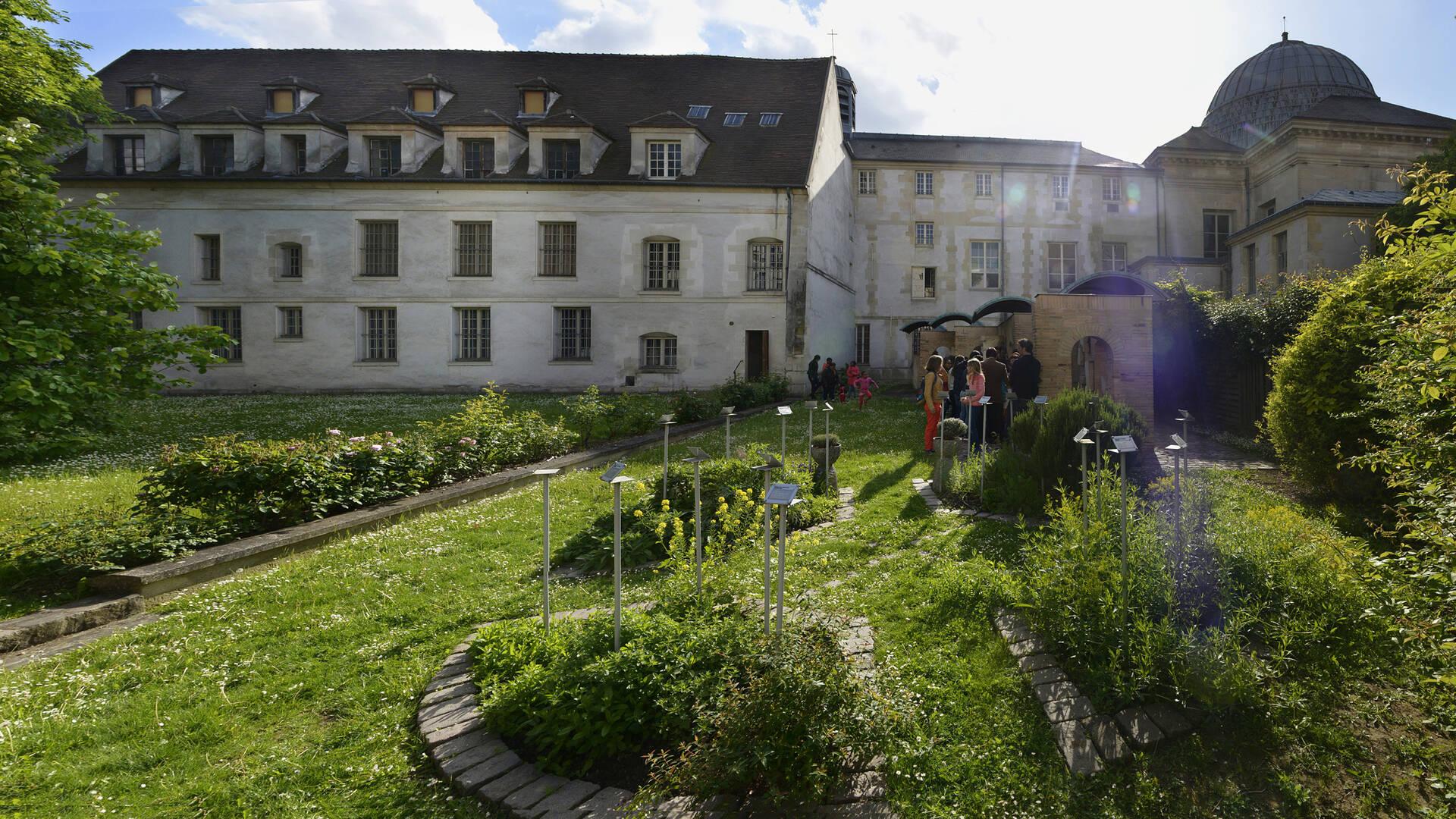 musee-art-histoire-paul-eluard-jardin-5-sens