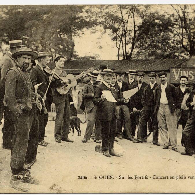 Peu à peu les Puces deviennent le berceau français du Jazz manouche - © Archives municipales de Saint-Ouen