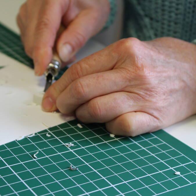 """Atelier """"Maisons de papier et gommes gravées"""""""
